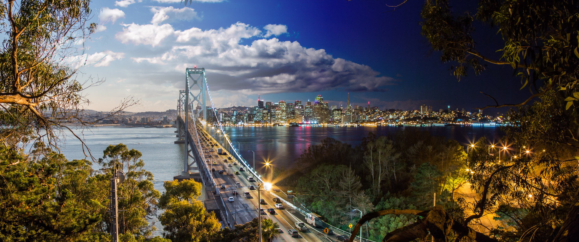 26-San_Francisco_Bay_Bridge_Day_Night_Timelapse_Yerba Buena